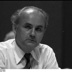 Bundesarchiv_B_145_Bild-F048639-0031,_Dortmund,_SPD-Parteitag,_Hans_Matthöfer